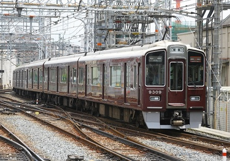 DEL_15_阪急9300系_IMG_2179 - コピー.jpg